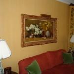 Linen glazed wall finish
